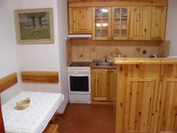 Kuchyňka - chata k pronájmu