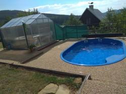 bazén - chata k pronájmu