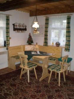 obývací kuchyň - chalupa k pronájmu