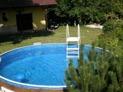 venkovní bazén - chalupa k pronájmu