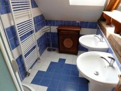 Koupelna podkroví  - chalupa k pronájmu