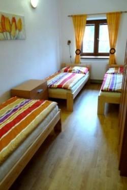 1. třílůžková ložnice - chalupa k pronájmu