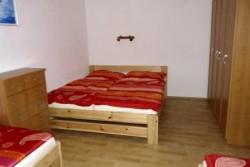 Čtyřlůžková ložnice - chalupa k pronájmu