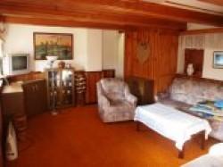 Hředle chata - obývací pokoj - chata k pronájmu