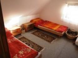 Hředle ložnice - chata k pronájmu