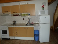 Kuchyňský kout    - chata k pronájmu