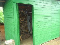 dřevník  - chata k pronájmu