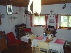 jídelna - chata k pronájmu