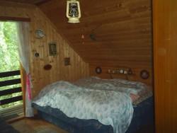 ložnice v patře - chata k pronájmu
