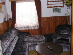 Chata u přehrady Jesenice - chata k pronájmu