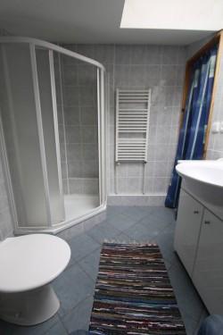 koupelna 1 patro - chalupa k pronájmu